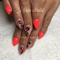 #nails #summernails #butterfly #butterflynails #neon #neonnails #nailart #budapest