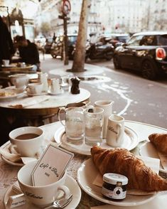 croissants and coffee at Café de Flore in Paris, France Coffee Break, Coffee Time, Morning Coffee, Coffee Coffee, Good Morning, Momento Cafe, French Cafe, Links Of London, C'est Bon