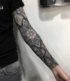 best full sleeve tattoos ever - Mandala Tattoo Mann, Tattoos Mandalas, Geometric Mandala Tattoo, Geometric Tattoo Design, Mandala Tattoo Design, Body Art Tattoos, Tribal Tattoos, Tattoo Homme, Mangas Tattoo