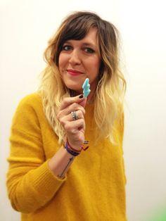 Daphné Burki est fan des bonbons des loges #backstage #TPMP