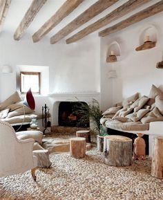 Coz rustic style living room (Alexandre de Betak, Deià, Mallorca)