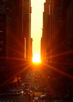 ニューヨークで夕日が特別に美しく見える日、マンハッタンヘンジ(Manhattanhenge)