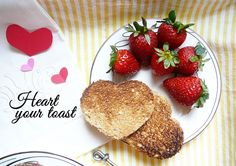 valentines day breakfast for two. breakfast in bed. romantic valentines. cute set up. easy valentines. lovely. heart-shaped toasts. eggs in a frame easy recipe.