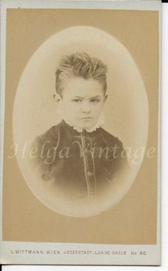 see the scanned photos attached. Old Photos, Vintage Photos, Visiting Nyc, Girls Hand, Cute Little Girls, American Civil War, Young Boys, Rare Antique, Vintage Fashion