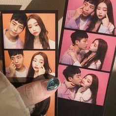 Korean Couple, Korean Girl, Best Friends Aesthetic, Ulzzang Korea, Ulzzang Couple, Poses, Wallpaper Quotes, Photo Booth, Boyfriend