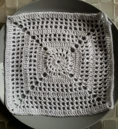 Crochet Top, Diy Crafts, Blanket, Rugs, Knitting, Malli, Women, Tutorials, Ideas