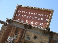 Pappy & Harriet's  www.youhavegottogohere.wordpress.com