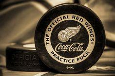 Go Wings Hockey Puck, Hockey Mom, Hockey Teams, Ice Hockey, Red Wings Hockey, Coca Cola Can, Detroit Red Wings, Nhl, Coke