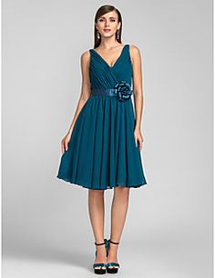 A-line/Princess V-neck Knee-length Chiffon Cocktail Dress – USD $ 79.99