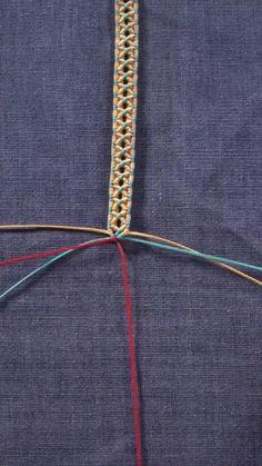 Diy Friendship Bracelets Tutorial, Diy Bracelets Easy, Friendship Bracelet Patterns, Bracelet Tutorial, Handmade Bracelets, Diy Crafts Jewelry, Bracelet Crafts, Diy Bracelets Patterns, Diy Braids