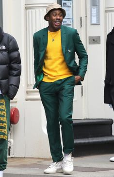 What a green suit yellow sweatshirt chanel brooch and converse chuck taylors where new york city Tyler The Creator Fashion, Tyler The Creator Outfits, Gq, Cool Outfits For Teenage Guys, Golf Fashion, Mens Fashion, Moda Formal, Young T, Style Masculin