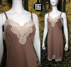 c30e98de5 GUY LAROCHE Teddy M Ivory VINTAGE UL 1974 - 95 Satin and lace and ...