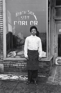 North Side Shine Parlor, Detroit, Michigan, United States, 1968, photograph by Enrico Natali.