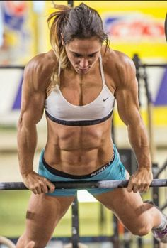 A picture of Danila Capaccetti. This site is a community effort to recognize the hard work of female athletes, fitness models, and bodybuilders. Female Crossfit Athletes, Crossfit Women, Female Athletes, Healthy Bikini Body, Fitness Motivation Pictures, Gym Motivation, Muscular Women, Muscle Girls, Bikini Bodies