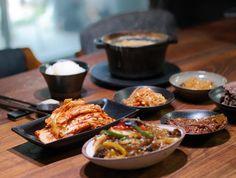 #맛있는 주말아점 오늘도 좋은하루보내세요. #된장찌게#김치#잡채#콩나물무침#콩잎#언양식불고기#이러니밥을마니먹지