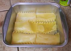 Before I teach you how to make white lasagna, I feel the need to come clean to you about something. My kitchen looks like the scene of a tragic farming accident. White Lasagna, White Chicken Lasagna, Portuguese Recipes, Italian Recipes, Portuguese Food, Easy Cooking, Cooking Recipes, Clam Chowder Recipes, Great Recipes