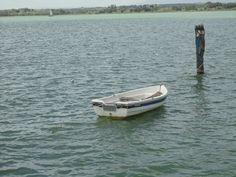 Barchetta sul lago Trasimeno