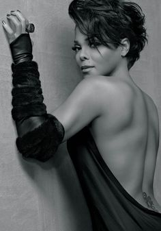 Blackglama released more pictures of the Legendary music diva, Janet Jackson. Janet shows a little more skin (so not complaining) in this new round of pictures. My Black Is Beautiful, Beautiful People, Beautiful Women, Stunningly Beautiful, Divas, Janet Jackson, American Women, Short Hair Cuts, Short Hair Styles