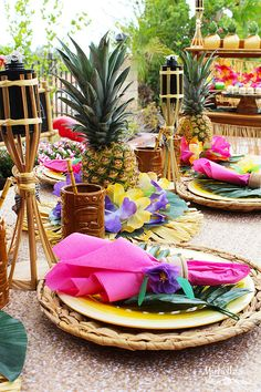 Are you planning a Luau? Decorating a Tropical Luau has never been easier. This party is filled with inspiration including tutorials for easy DIY centerpieces, table runners and a recipe for Tropical Pina Colada Cupcakes. Luau Centerpieces, Luau Theme Party, Hawaiian Party Decorations, Aloha Party, Hawaiian Luau Party, Hawaiian Theme, Tiki Party, Tropical Party, Party Themes