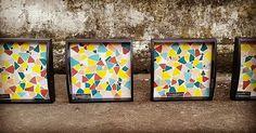 Bandejas coloridas em mosaico de azulejos by Freedom Cavalcanti
