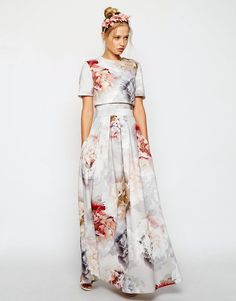 Search for floral scuba dress at ASOS. Shop from over styles, including floral scuba dress. Discover the latest women's and men's fashion online Prom Dresses With Sleeves, Modest Dresses, Modest Outfits, Modest Fashion, Short Dresses, Maxi Dresses, Hijab Fashion, Maxi Dress Wedding, Long Wedding Dresses