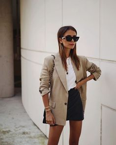 30 Street Style Ideas - Streetwear Fashion Trends, Outfit Ideas, Men and Women Models Looks Street Style, Looks Style, Casual Looks, Office Fashion, Fashion Week, Look Fashion, Classy Fashion, Party Fashion, Fashion Night