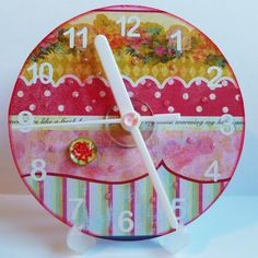 can I? little CD clock...decorate a recycled CD and attach clock parts from the craft store