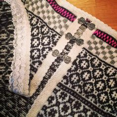 Fair Isle Knitting Patterns, Jumper, Knit Crochet, Buttons, Quilts, Sweaters, How To Make, Color, Jackets