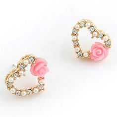SHARE & Get it FREE | Pair of Gorgeous Faux Pearl Rhinestone Heart Earrings For WomenFor Fashion Lovers only:80,000+ Items • FREE SHIPPING Join Twinkledeals: Get YOUR $50 NOW!