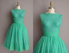 50s green chiffon full skirt cupcake vintage by simplicityisbliss