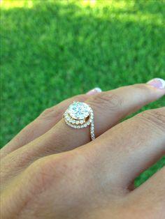 My Danhov abbraccio swirl engagement ring!!