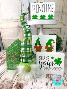 St Patrick's Day Crafts, Decor Crafts, Shake, Holiday Fun, Holiday Decor, St Patrick's Day Decorations, St Patricks Day, St Pattys, Luck Of The Irish