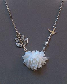 White rose necklace idea