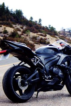 Ducati.. want a bike so bad. Makes me sick i dont have one yet