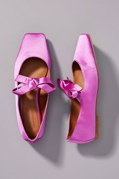 Jeffrey Campbell Bow Square-Toed Flats by in Purple Size: at Anthropologie Grunge Outfits, Grunge Fashion, Jeffrey Campbell, Galaxy Converse, Converse Chuck, Anthropologie, Web Design, Flat Design, Shoes Heels Wedges