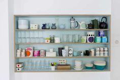 Box Shelves, Kitchen Shelves, Kitchen Decor, Kitchen Design, Kitchen Ideas, Terrazzo, Shelf Arrangement, Scandinavian Living, Cool Kitchens