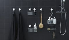 Can you think of anything simpler? The IMMELN series of bathroom organizers in plated zinc includes hooks, soap baskets, shower hangers and more with suction cups in plastic that you can stick to smooth surfaces. Even their design is simple. Laundry Room Bathroom, Budget Bathroom, Small Bathroom, Bathroom Ideas, Bathrooms, Bathroom Wallpaper, Of Wallpaper, Suction Cup Hooks, Shower Basket