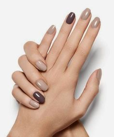 Essie Topless & Barefoot: This is the most popular nude nail polish - This is the most spun nude nail polish of the year! Informations About Essie Topless & Barefoot: Das - Simple Nail Designs, Nail Art Designs, Nails Design, Nail Polish Designs, Design Design, Design Ideas, Nude Nails, My Nails, Acrylic Nails