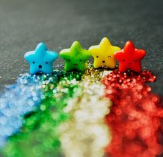 Reminds me of the lil stars from the carebears movie <3