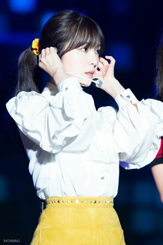 Wendy Red Velvet, Red Velvet Irene, South Korean Girls, Korean Girl Groups, Velvet Fashion, Korean Bands, Stage Outfits, Girl Bands, Celebs
