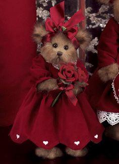 Rosie Romantic Introduction Date: Fall 2007 Retired Date: 2008 Vintage Teddy Bears, Cute Teddy Bears, Teady Bear, Christmas Teddy Bear, Bear Pictures, Boyds Bears, Love Bear, Bear Doll, Tartan