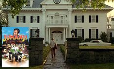 Jumanji: A Look Back at the Parrish Mansion from the Original Movie - Hooked on Houses Vaulted Living Rooms, 1995 Movies, Christmas Scenes, Entry Foyer, Original Movie, Door Knockers, S Pic, New Hampshire, Looking Back