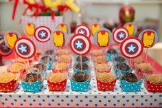 Docinhos decorados para festa infantil Os Vingadores - Miguel 03 anos 1st Birthday Cake Topper, Birthday Favors, Diy Birthday, Birthday Parties, Iron Man Party, Power Ranger Party, Wonder Woman Party, Festa Party, Superhero Birthday Party