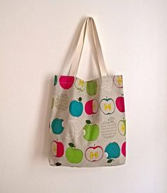 A Big Shopper with a Zipped Pocket for Bags and a Set of 4
