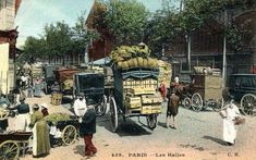 Les Halles -- quand Paris comptaient 80 000 chevaux chaque matin ! Paris Vintage, Old Paris, Charles Trenet, Old Pictures, Halles, Street View, History, Antique Post Cards, Antique Pictures
