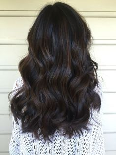 Stunning Hair Color Ideas For Long Hair Styles In 2019 Looking for the top spring hair colors? hair color trends for the top spring hair colors? Dark Balayage, Dark Brunette Balayage Hair, Black Hair With Balayage, Black Hair Balyage, Bayalage, Long Hair Waves, Spring Hairstyles, Fancy Hairstyles, Ponytail Hairstyles