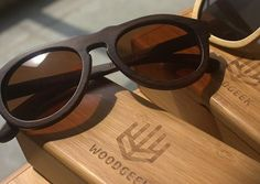 woodgeek wooden sunglasses- Summers should just be an excuse to get yourself another sunglasses. Look effortlessly stylish with our Retro charcoal bamboo sunglasses. The super light weight and dark stealth look makes it the perfect shade to carry outdoors.