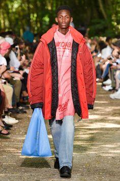 Balenciaga | Menswear - Spring 2018 | Look 47