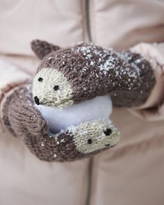 DIY Knit Hedgehog Mittens A free knitting pattern by Andie. (Mingky Tinky Tiger + the Biddle Diddle Dee) Knitting For Kids, Easy Knitting, Crochet For Kids, Knitting Projects, Crochet Projects, Sewing Projects, Knitting Ideas, Knitting Tutorials, Loom Knitting