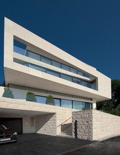 Villa Upper Austria / Two in a Box-Architekten - Such stunning modern design. It's super sleek.